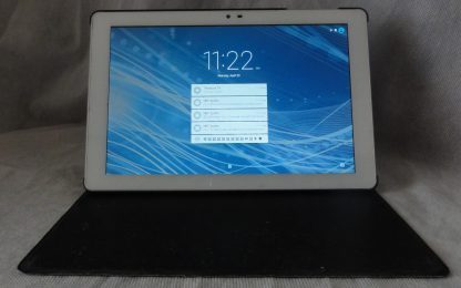 Insignia Tablet W/ case