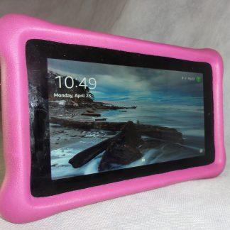 """Amazon Fire Tablet 7"""" w/Case"""
